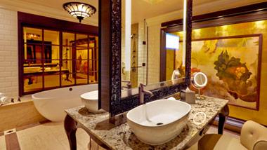 Suite bathroom at River City Casino Hotel